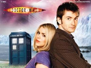 Billie Piper (Rose Tyler) e David Tennant (10º Doctor).