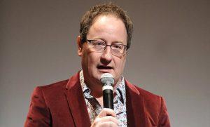 Steven Moffat será substituído por Chris Chibnall, criador de Broadchurch