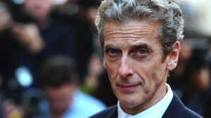 Peter Capaldi anuncia que deixará seu papel em Doctor Who no final do ano
