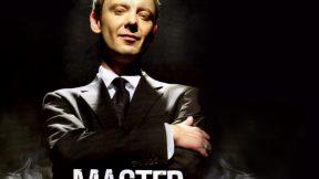 [10ª Temporada] OFICIAL: Mais sombrio, John Simm retorna como Mestre e vai contracenar com Missy
