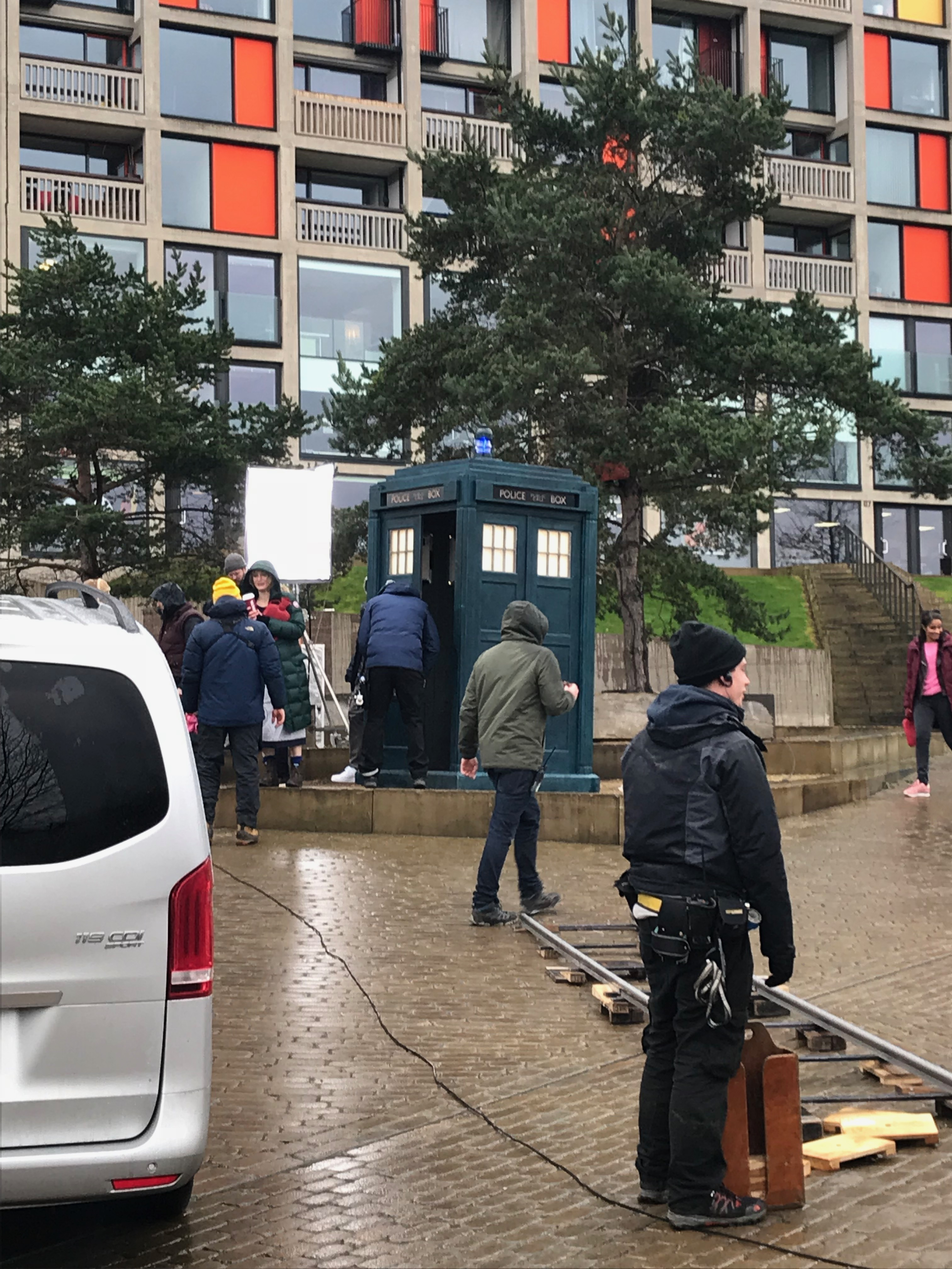 doctor-who-filming-sheffield-2018_39349484415_o