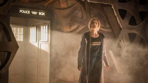 Produtor de design de Doctor Who explica porque há biscoitos na nova TARDIS