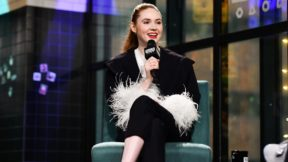 "Karen Gillan: Jodie ""arrasou"" em seu papel como Doutora"
