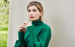 """Read more about the article Jodie Whittaker: """"A quarentena me lembrou o quanto eu amo meu trabalho"""""""